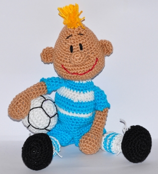 Crochet Stitches German To English : ... crochet pattern, amigurumi - soccer player - pdf, English or German