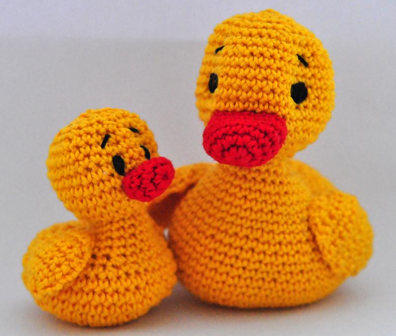 Rubber duck appliqué...free pattern! | Crochet applique patterns ... | 679x800