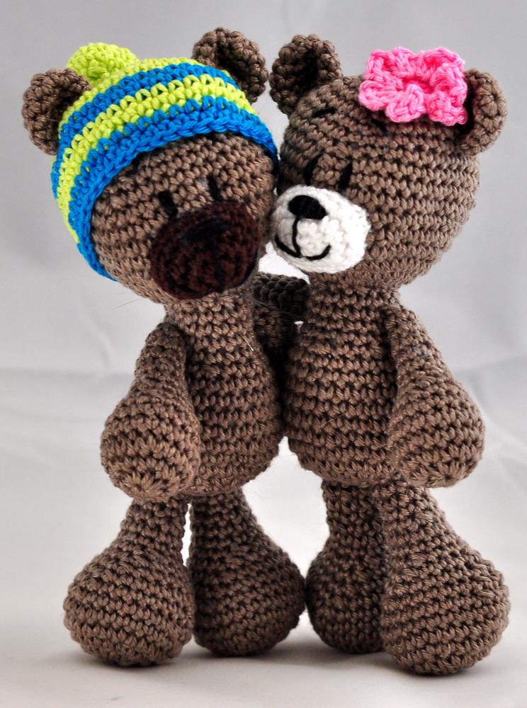 How to crochet a basic teddy bear / amigurumi bear - Buttons ... | 1000x744