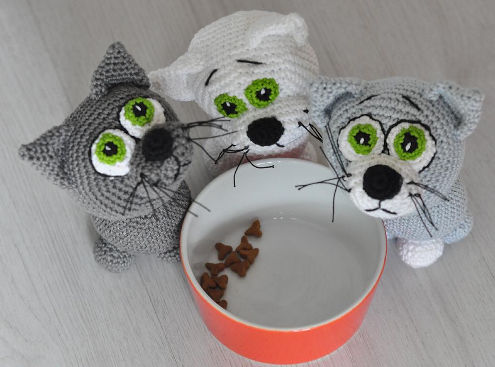 Crochet kitten amigurumi pattern | Amiguroom Toys | 741x1000