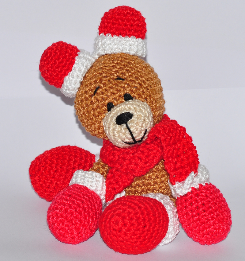 Polar bear, crocheted Christmas bear, teddy bear, winter holiday ... | 850x800