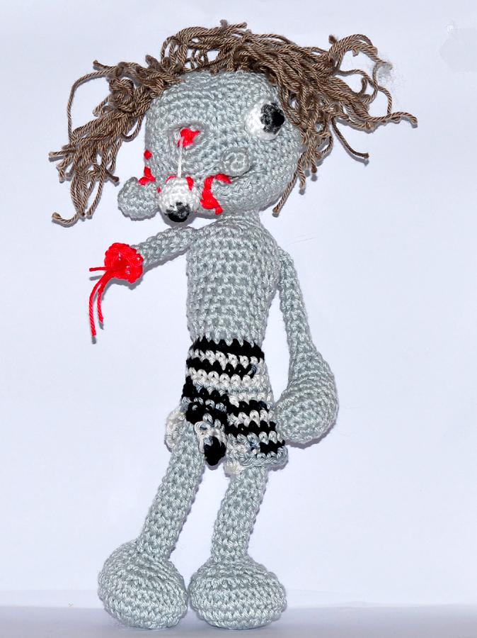 crochet pattern, english or german, zombie | 900x674