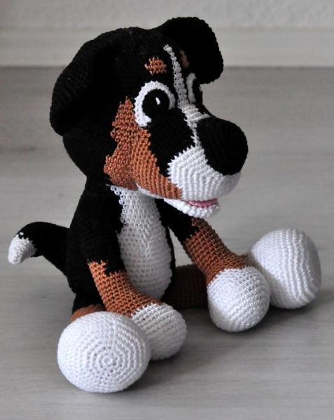 Bernese Mountain Dog | Crochet dog, Crochet animals, Dog stuffed ... | 600x477